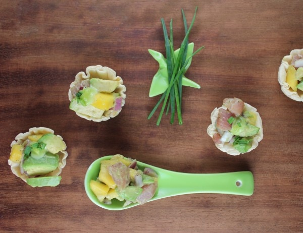 mango avocado fillo baskets, mango avocado ahi fillo baskets, mango avocado poke recipe, mango avocado ahi poke, ahi tuna sushi baskets, avocado ahi tuna sushi, sushi fillo basket recipe, ahi tuna poke, hawaiian poke recipe, recipes, sushi, food, poke, fillo baskets