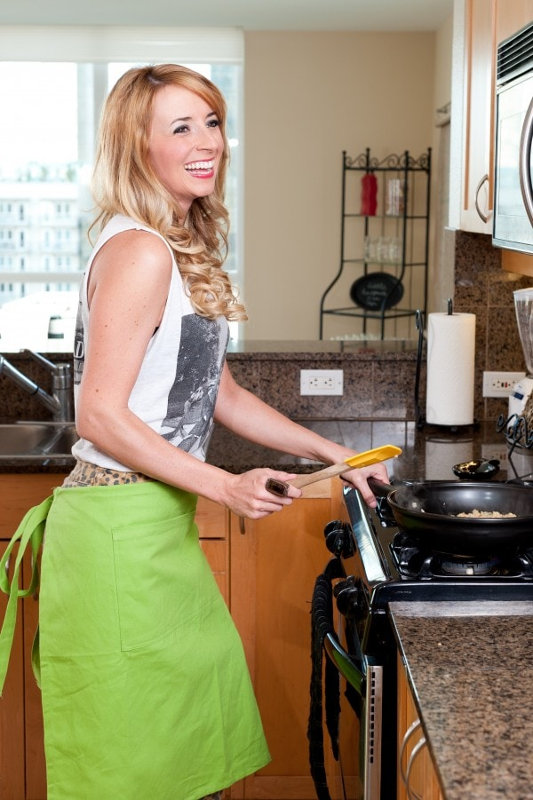 hot girl chef, photos of girls cooking, photos of cooking, images of cooking, woman cooking in kitchen, kitchen photo shoot, cooking photo shoot, world market apron, lime green apron, whitney bond, little leopard book, photo shoot, longaberger, flameware, skillet, girl cooking in kitchen