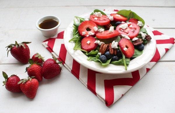 Spinach Strawberry Ricotta Salad
