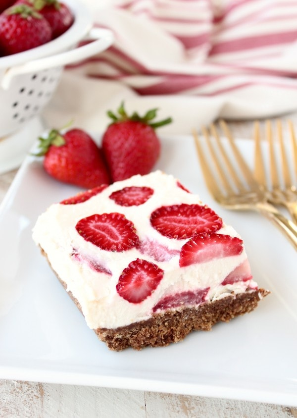 Frozen Strawberry Cheesecake Bars
