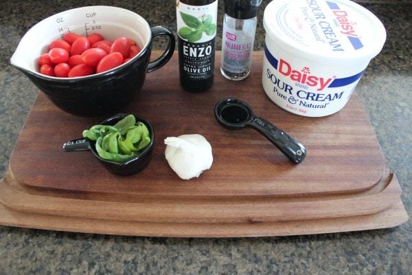 Tomato Basil Dip Ingredients