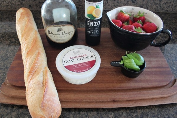 Strawberry Balsamic Bruschetta Ingredients
