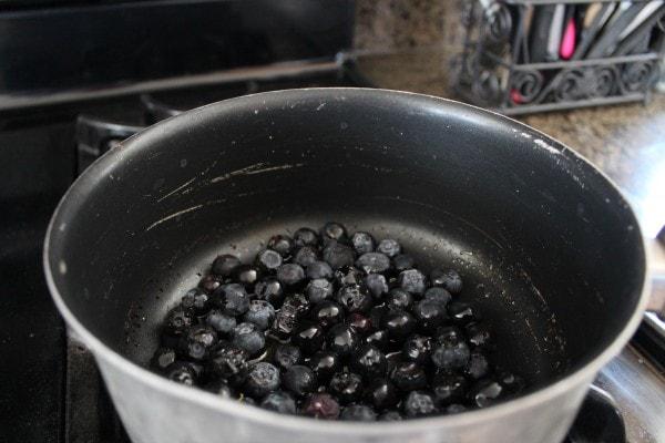 Balsamic Blueberry Crostini Recipe