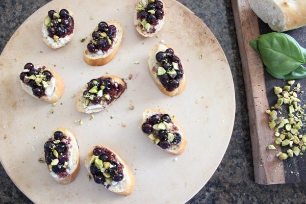 Blueberry Goat Cheese Crostini Recipe