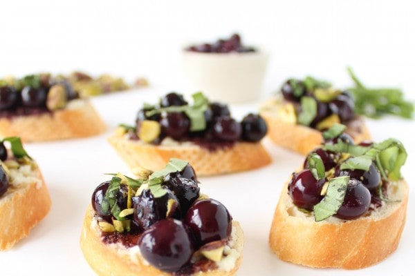 Balsamic Blueberry and Goat Cheese Crostini
