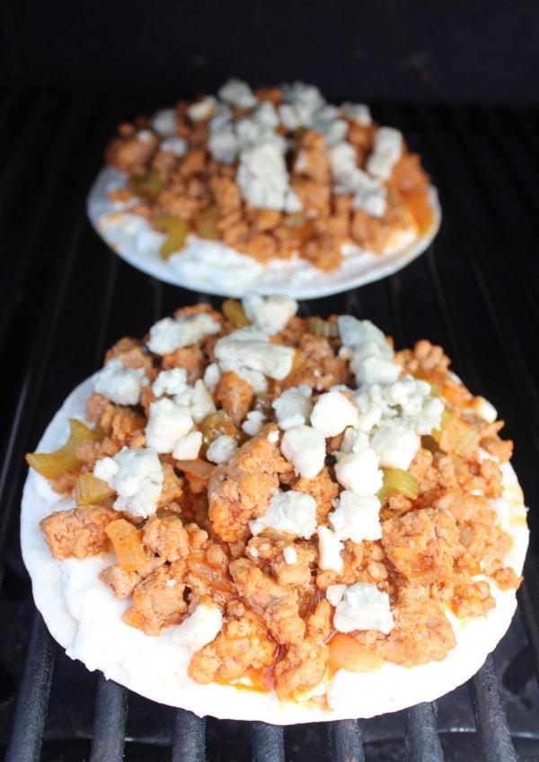 Cheesy Buffalo Turkey Grilled Flatbread Recipe