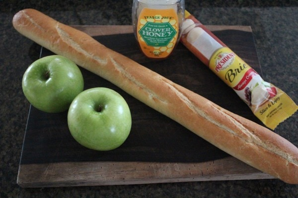 Apple Brie Crostini Ingredients