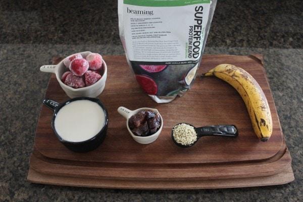 Energy Boosting Berry Banana Smoothie Ingredients