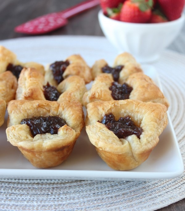 Fig & Baked Brie Puffed Pastry Bites Recipe