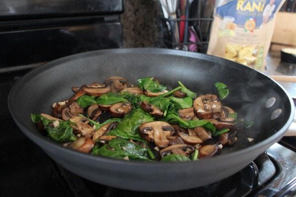 One Pot Vegetarian Pesto Tortellini Recipe