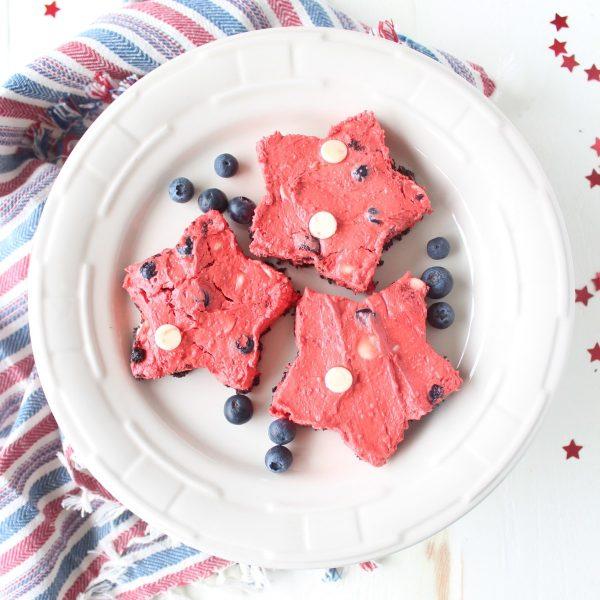 Frozen Red Velvet Cheesecake Star Bars