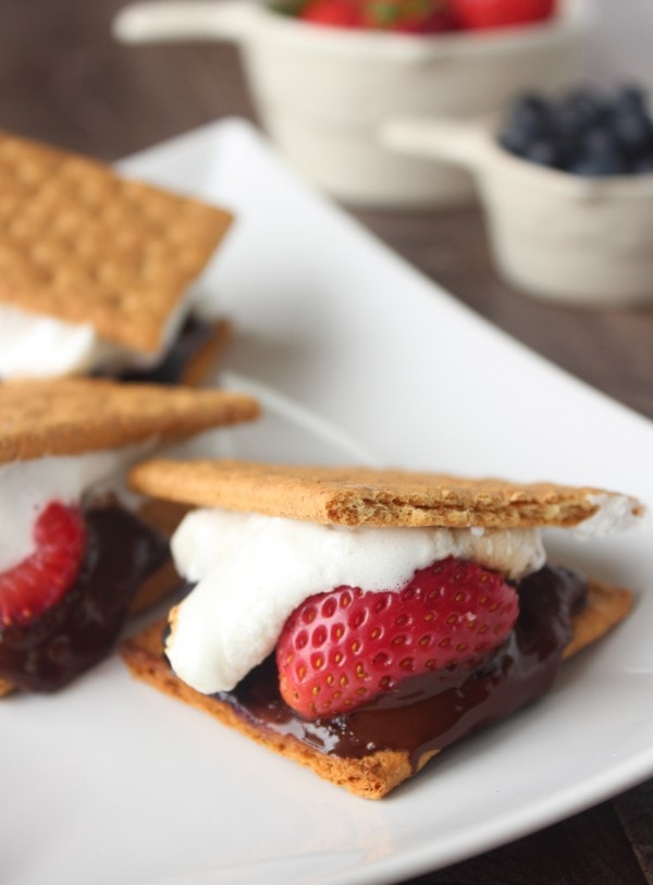 Grilled Berry Smores Recipe