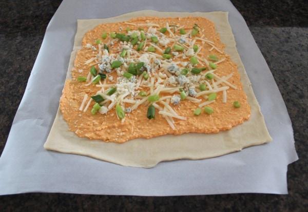 Buffalo Cheesy Puff Pastry Roll Recipe