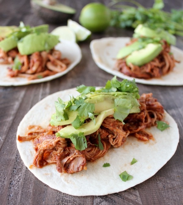 Slow Cooker Sriracha Honey Pulled Pork Tacos