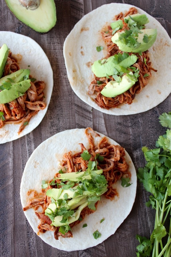 Slow Cooker Sriracha Honey Pulled Pork Tacos Recipe