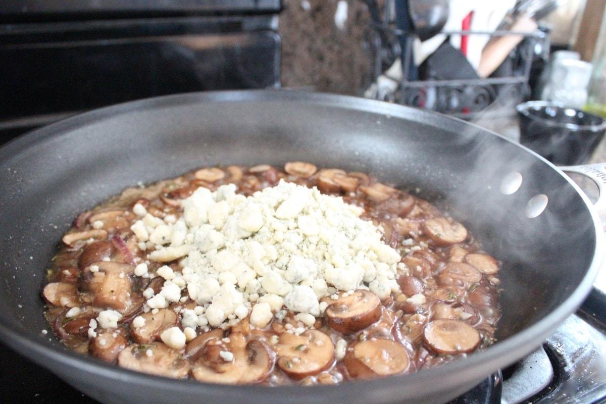 Blue Cheese Mushroom Gravy Recipe