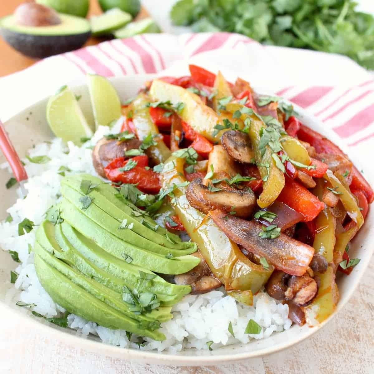 Fajita veggie rice bowl recipe whitneybond forumfinder Gallery