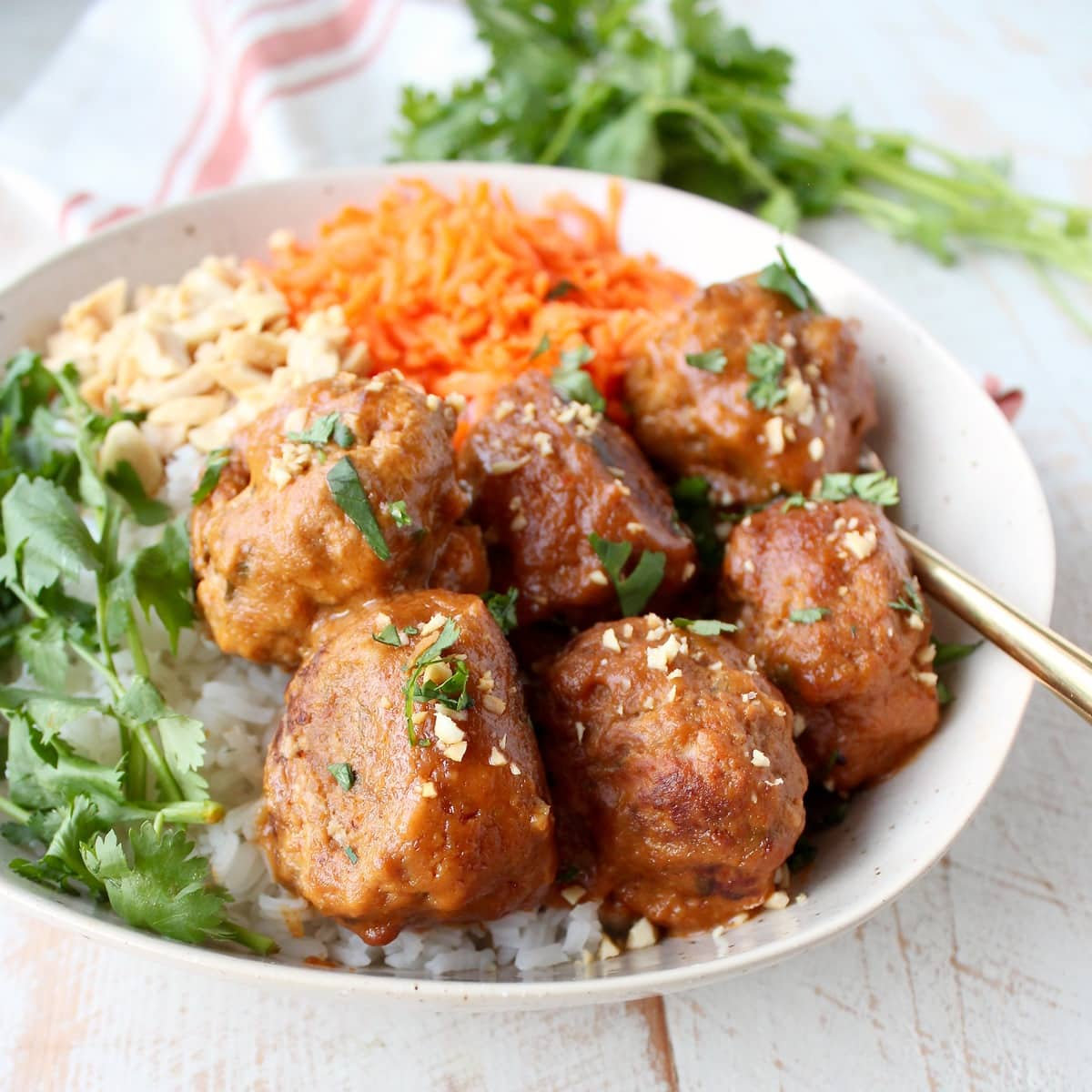 Slow Cooker Thai Peanut Turkey Meatballs Recipe