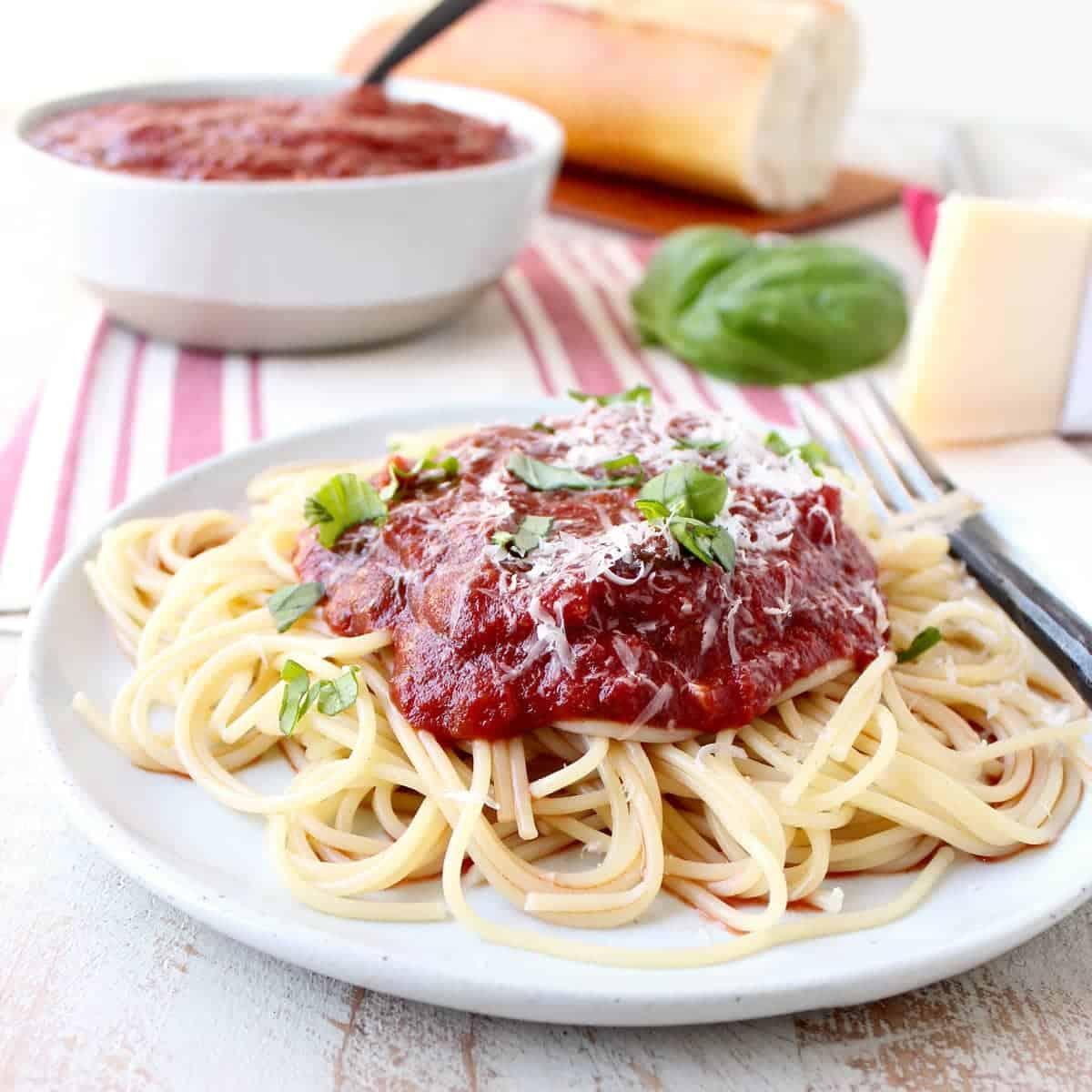 29 Minute Spaghetti Sauce Recipe - WhitneyBond.com