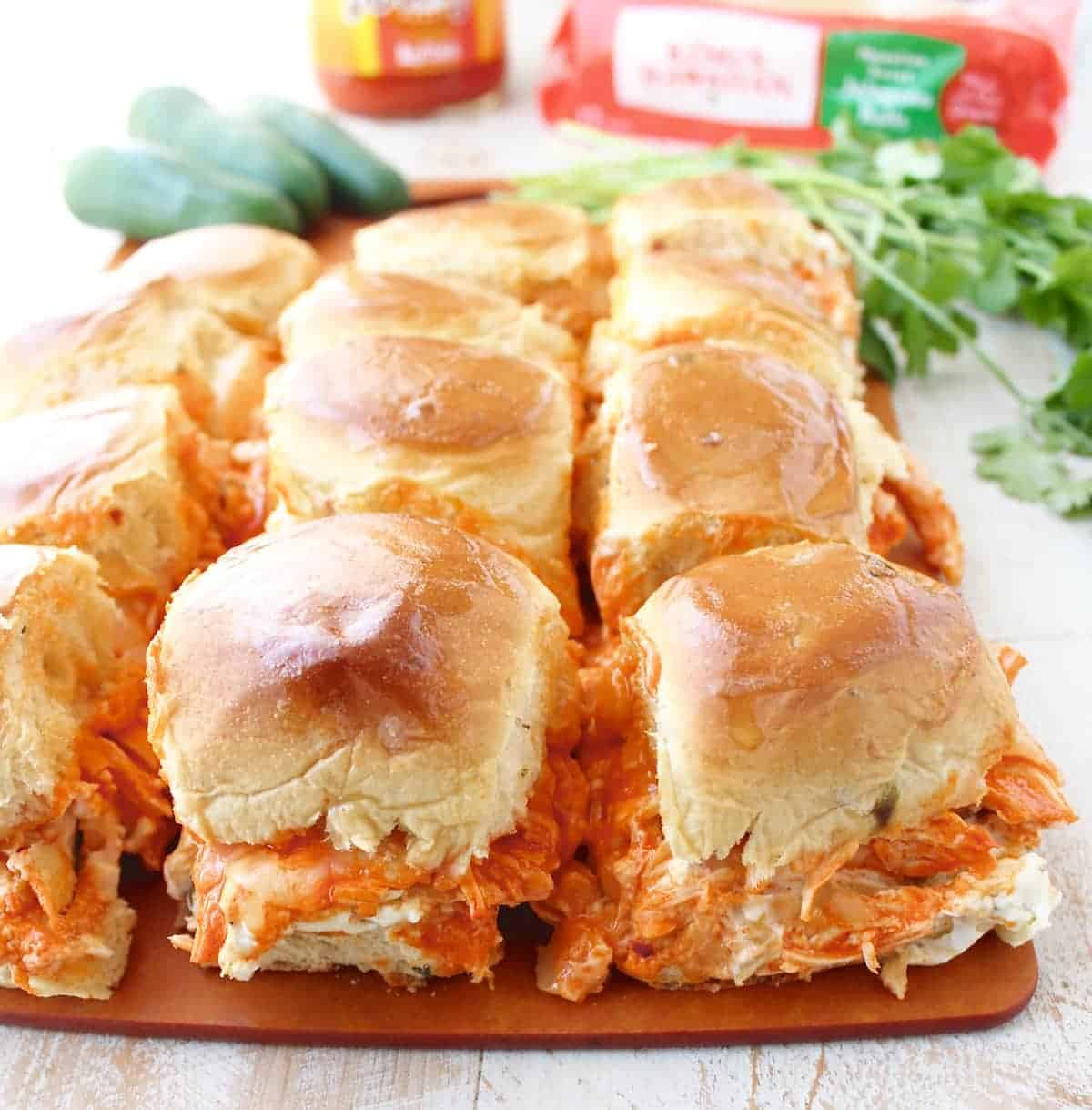 recipe: easy buffalo chicken sliders [30]