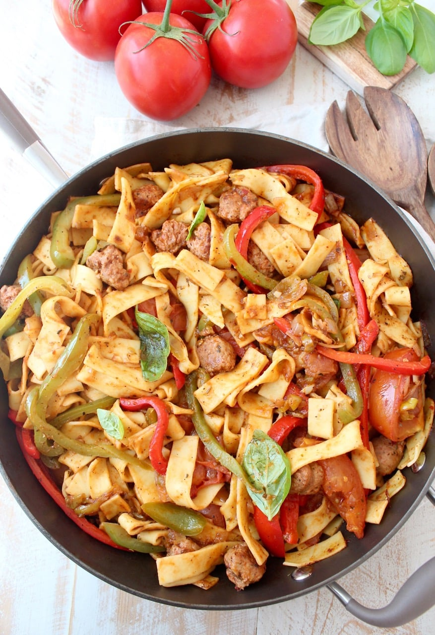 Italian Drunken Noodles with Peppers and Tomato Sauce