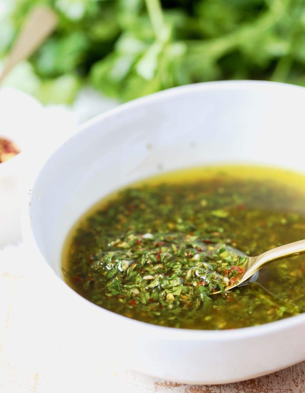 Easy 5 Minute Chimichurri Sauce Recipe