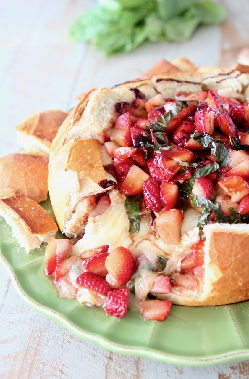 Strawberry Balsamic Baked Brie Bread Bowl Recipe