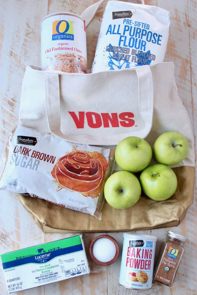 Ingredients for pumpkin spice apple oatmeal bars