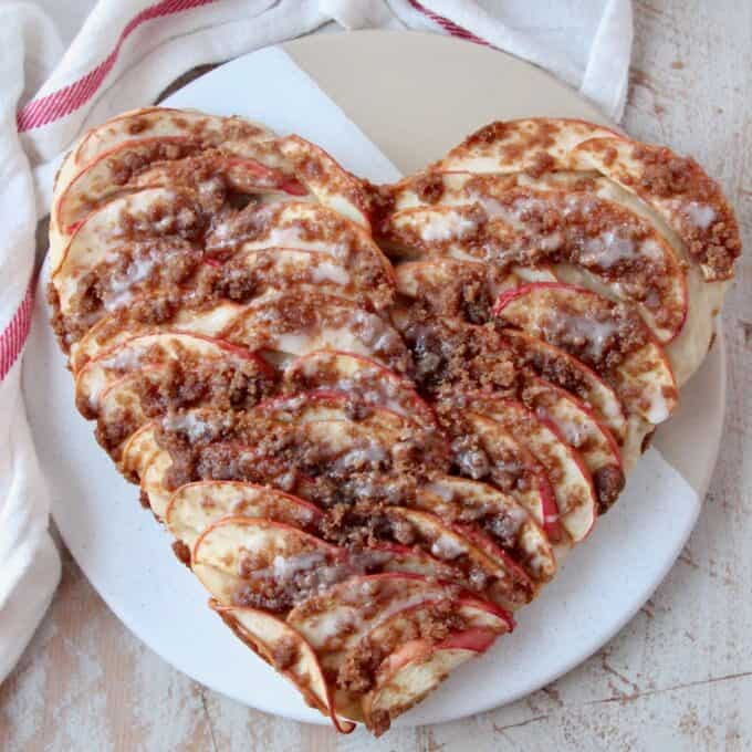 overhead image of heart shaped apple pizza
